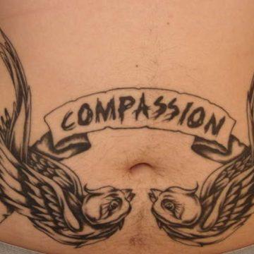 Tatouage ventre femme : 50+ idées de tatouages et leurs significations 13