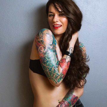 Tatouage Macabre femme : 20+ idées de tatouages et sa signification 3