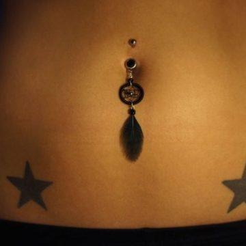 Tatouage ventre femme : 50+ idées de tatouages et leurs significations 29
