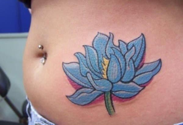Tatouage ventre femme : 50+ idées de tatouages et leurs significations 38