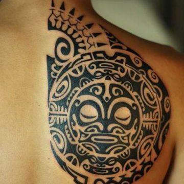 Tatouage Polynésien femme : 25+ idées de tatouages et sa signification 10