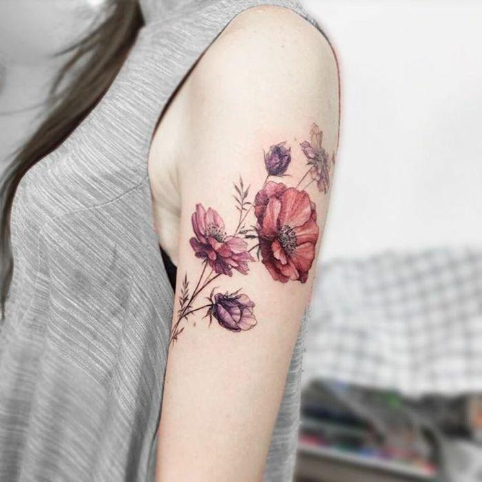 Tatouage épaule femme : 25+ idées de tatouages et leurs significations 45