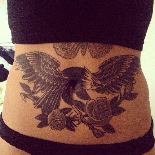 Tatouage ventre femme : 50+ idées de tatouages et leurs significations 63