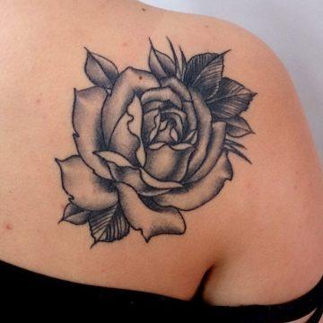 Tatouage épaule femme : 25+ idées de tatouages et leurs significations 101