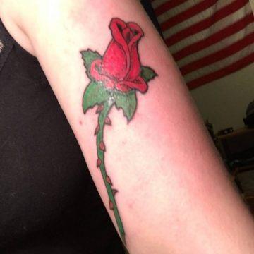 Tatouage bras femme : 50+ idées de tatouages et leur signification 232