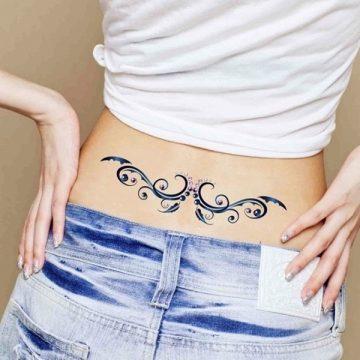 Tatouage bas du dos femme : 30+ idées de tatouages et leurs significations 4