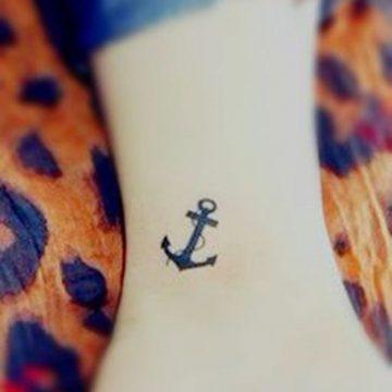 Tatouage cheville femme : 25+ idées de tatouages et leurs significations 1