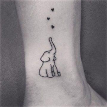 Tatouage cheville femme : 25+ idées de tatouages et leurs significations 10