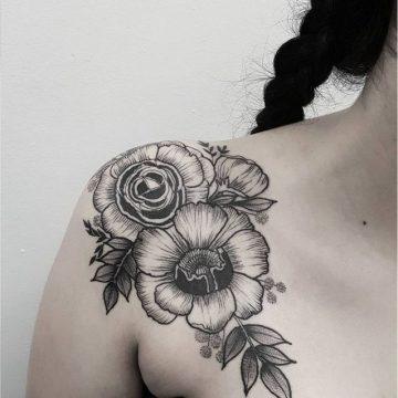 Tatouage épaule femme : 25+ idées de tatouages et leurs significations 131