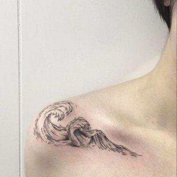 Tatouage épaule femme : 25+ idées de tatouages et leurs significations 141