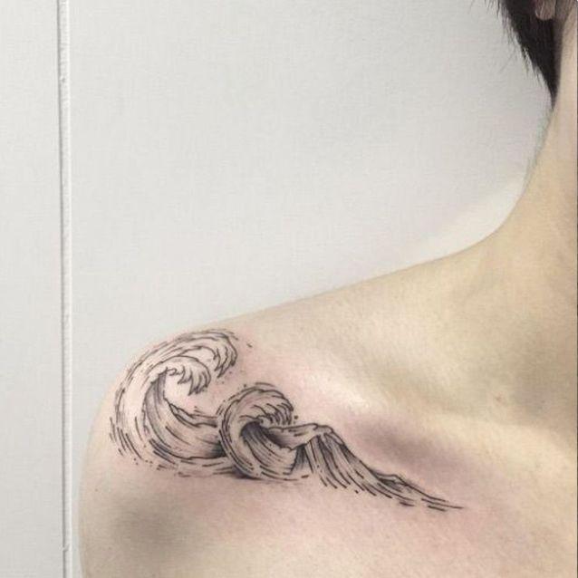 Tatouage épaule femme : 25+ idées de tatouages et leurs significations 70