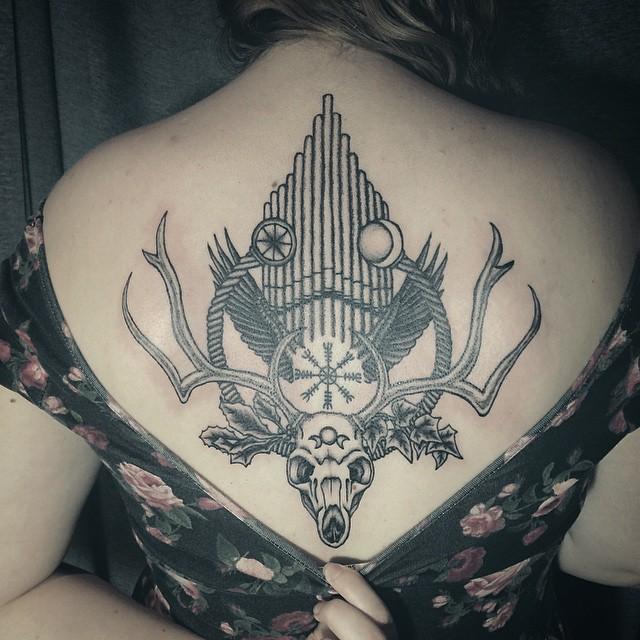 Tatouage Macabre femme : 20+ idées de tatouages et sa signification 17