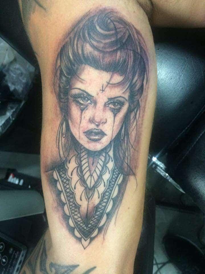 Tatouage Macabre femme : 20+ idées de tatouages et sa signification 5