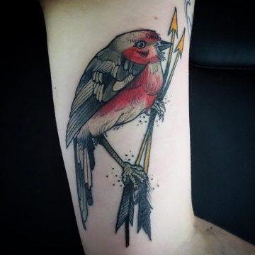Tatouage bras femme : 50+ idées de tatouages et leur signification 213