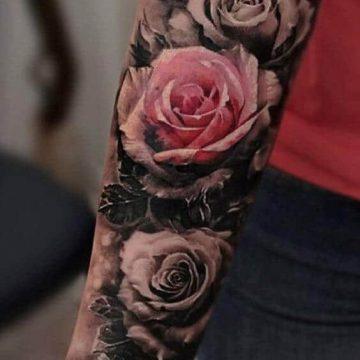 Tatouage bras femme : 50+ idées de tatouages et leur signification 288