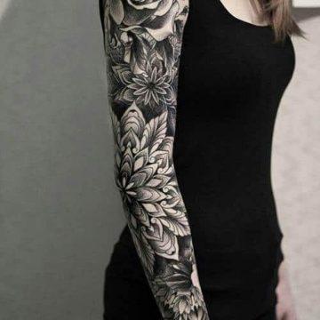 Tatouage bras femme : 50+ idées de tatouages et leur signification 325