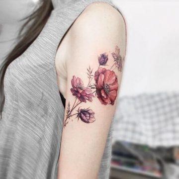Tatouage épaule femme : 25+ idées de tatouages et leurs significations 92