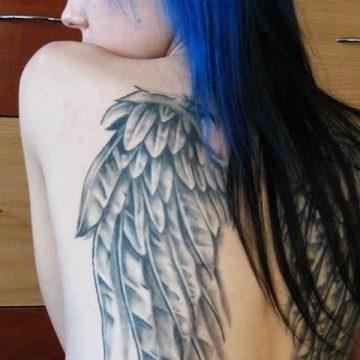 Tatouage dos femme : 50+ idées de tatouages et leurs significations 33