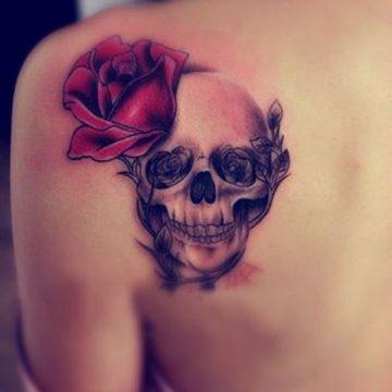 Tatouage dos femme : 50+ idées de tatouages et leurs significations 34