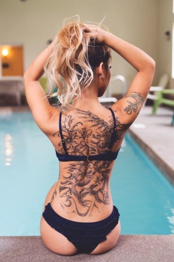 Tatouage dos femme : 50+ idées de tatouages et leurs significations 36