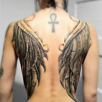 Tatouage dos femme : 50+ idées de tatouages et leurs significations 41