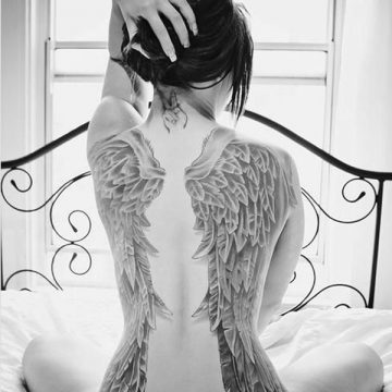 Tatouage dos femme : 50+ idées de tatouages et leurs significations 42