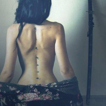 Tatouage dos femme : 50+ idées de tatouages et leurs significations 44