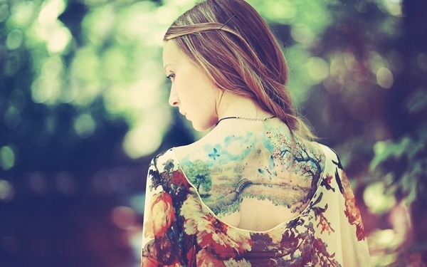 Tatouage dos femme : 50+ idées de tatouages et leurs significations 52