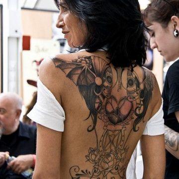 Tatouage dos femme : 50+ idées de tatouages et leurs significations 64