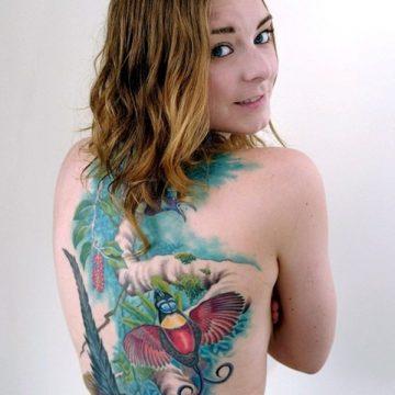 Tatouage dos femme : 50+ idées de tatouages et leurs significations 92