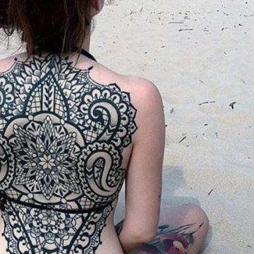 Tatouage dos femme : 50+ idées de tatouages et leurs significations 107