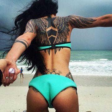 Tatouage dos femme : 50+ idées de tatouages et leurs significations 113