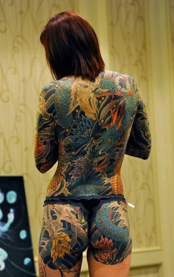 Tatouage dos femme : 50+ idées de tatouages et leurs significations 20
