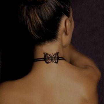 Tatouage nuque femme : 30+ idées de tatouages et leurs significations 3