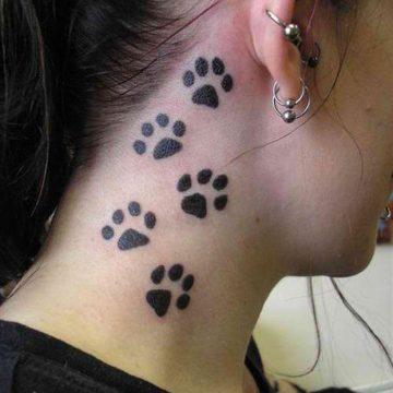 Tatouage nuque femme : 30+ idées de tatouages et leurs significations 6