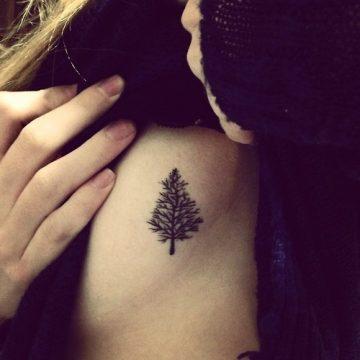 Tatouage épaule femme : 25+ idées de tatouages et leurs significations 125