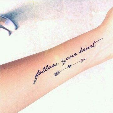 Tatouage Phrase femme : 35+ idées de tatouages et sa signification 23