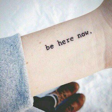 Tatouage Phrase femme : 35+ idées de tatouages et sa signification 24
