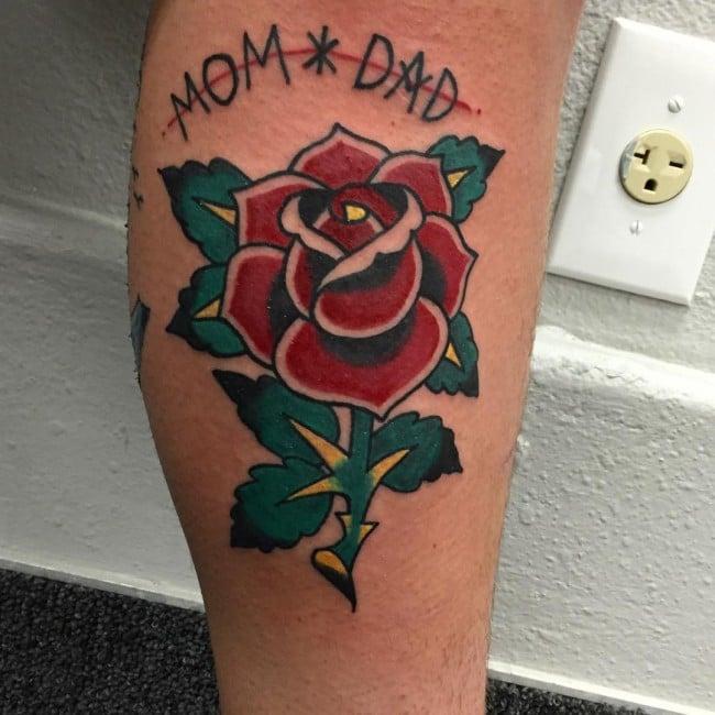 Tatouage Old School femme : 25+ idées de tatouages et sa signification 28