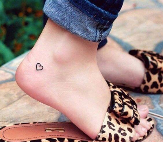 Tatouage Réaliste femme : 15+ idées de tatouages et sa signification 12