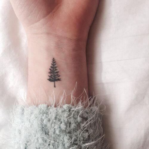 Tatouage Réaliste femme : 15+ idées de tatouages et sa signification 27