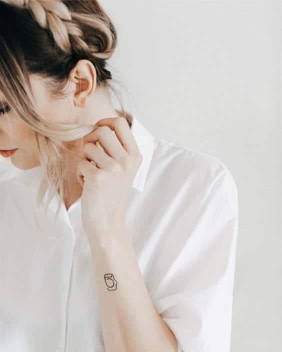 Tatouage Réaliste femme : 15+ idées de tatouages et sa signification 33
