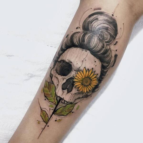 50 idées de tatouages de tournesol pour femme 3