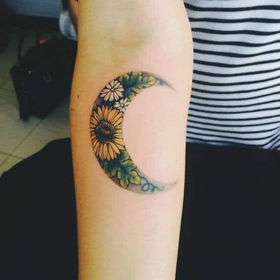 50 idées de tatouages de tournesol pour femme 9