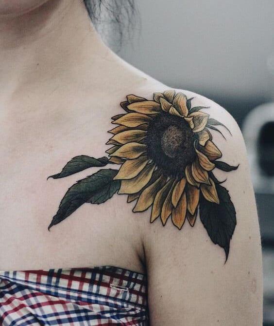 50 idées de tatouages de tournesol pour femme 14