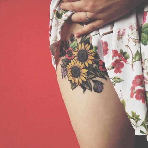 50 idées de tatouages de tournesol pour femme 15
