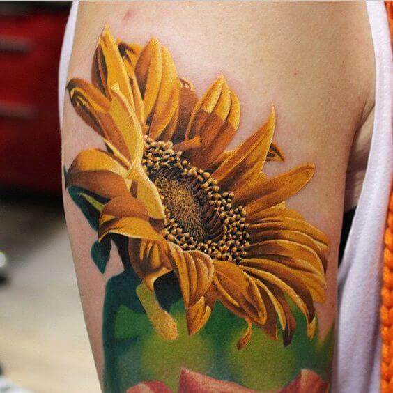 50 idées de tatouages de tournesol pour femme 23