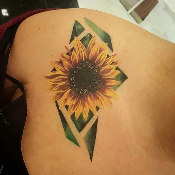 50 idées de tatouages de tournesol pour femme 26