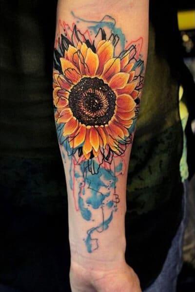 50 idées de tatouages de tournesol pour femme 37
