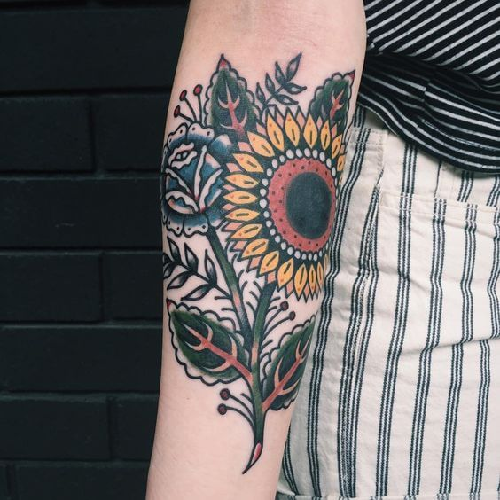50 idées de tatouages de tournesol pour femme 44